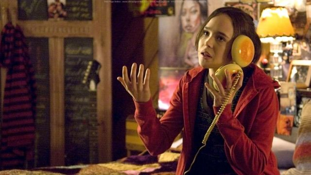 A still from the movie Juno where Juno is talking on her burger phone